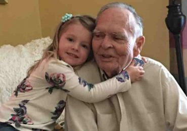 Preschooler Becomes Best Friends With A Grieving Widower After Meeting Him At The Grocery Store