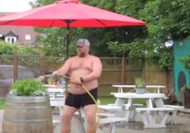 "Pub Manager Dancing to ""Can't Stop The Feeling"" in His Underwear will Make You Happy"
