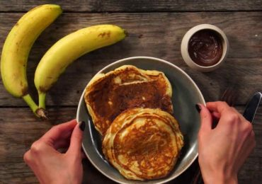 That's No Ordinary Pancake! Make This Awesome Nutella And Banana Filled Pancake.