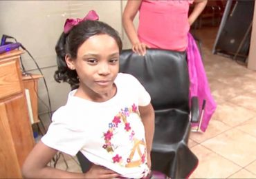 Little Girl Gets Bullied At School, Hairstylist Comes To Her Rescue