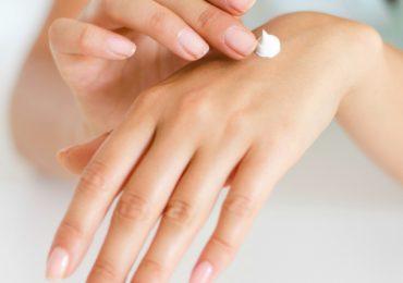 Easy DIY Kitchen Hand Scrub For Dried Hands