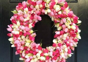 Welcome Spring Into Your Home With This DIY Tulip Wreath