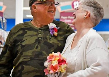 Couple Who Met At Grocery Store Celebrate Their Wedding In The Veggie Aisle